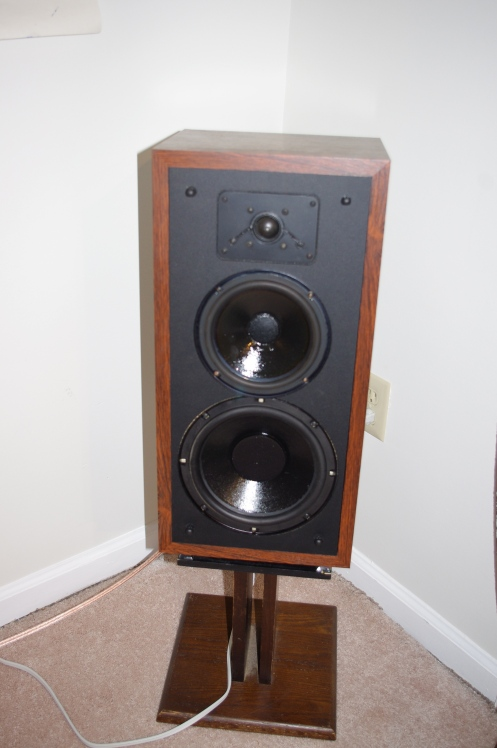 Polk Monitor 5B in rosewood veneer on original Polk stand