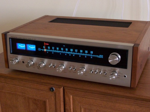 Pioneer SX 727. What a beautiful machine. this pic is not of mine however...